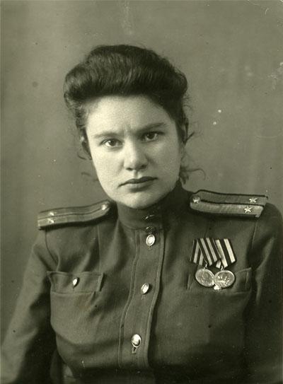Мама сразу после войны.